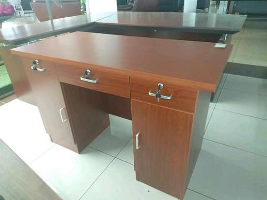 1.4m executive office desk. image 1
