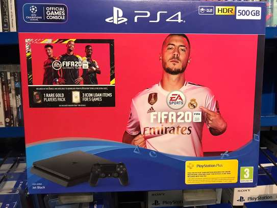 PS4  Slim 500GB Black + FIFA 20 Standard Edition
