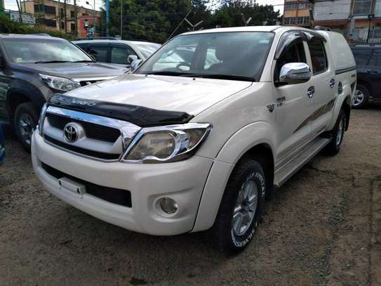 Toyota Hilux image 8