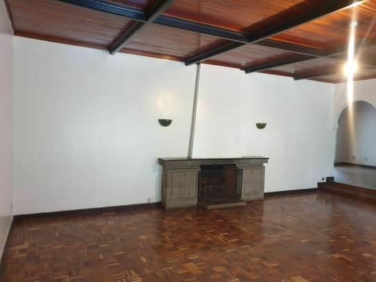 3 bedroom house for rent in Muthaiga Area image 12