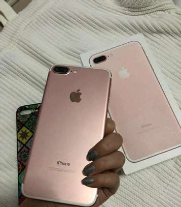 Apple Iphone 7 Plus [ 256 Gigabytes ] With Charging Pad image 1