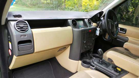 Land Rover Discovery III image 8