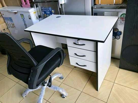 White office desk and chair image 1