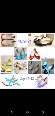 Quality ladies flat shoes image 3