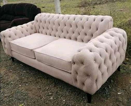 Special tufted sofa image 1