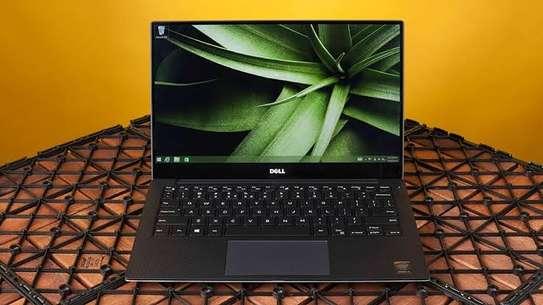 Classy portable Dell xps 9360 image 1