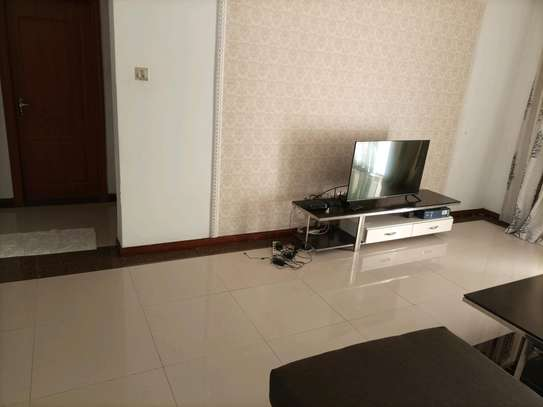Romantic fully furnished 2 bedrooms to let at kilimani image 9