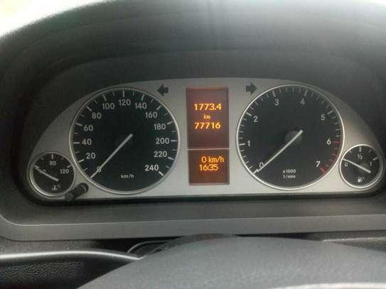 Mercedes-Benz B180 image 5