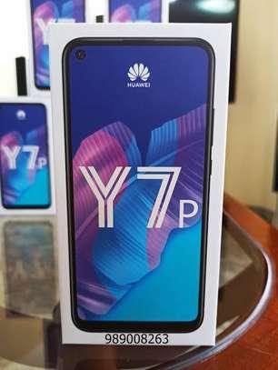 """Huawei Y7p, 6.39"""", 64GB + 4GB RAM (Dual SIM), 4000mAh image 1"""