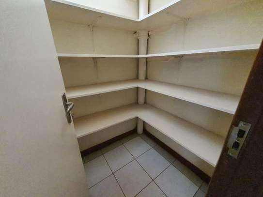 4 bedroom spacious house in Runda image 10