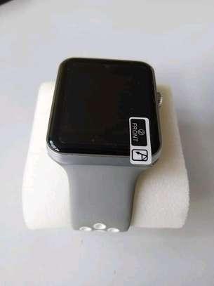 DM09 Smartwatch image 1
