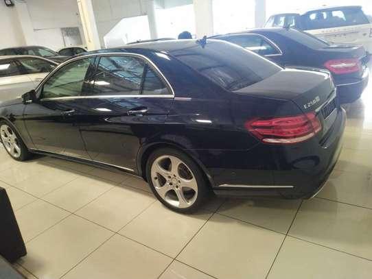 Mercedes-Benz E250 image 11