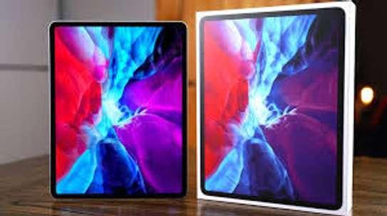 Apple iPad Pro 12.9 (2020) image 2