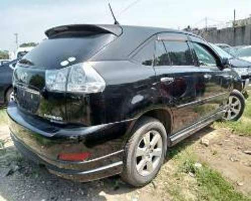 Toyota Harrier image 3