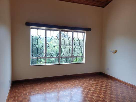 5 bedroom house for rent in Gigiri image 3