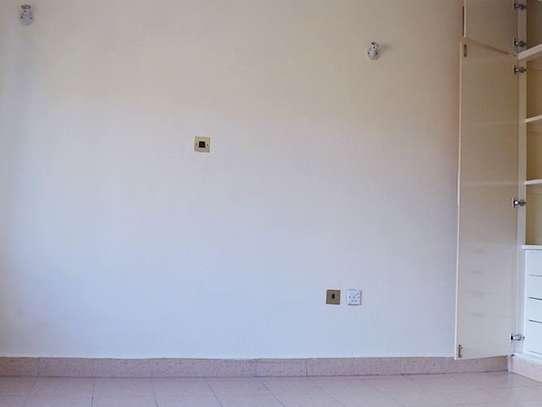 3 bedroom apartment for rent in Imara Daima image 3
