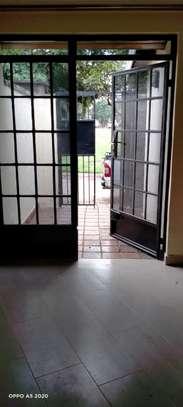 1 bedroom house for rent in Kileleshwa image 17