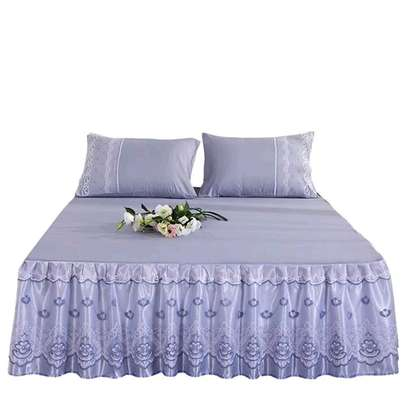 Bedcovers (bedskirts) image 1