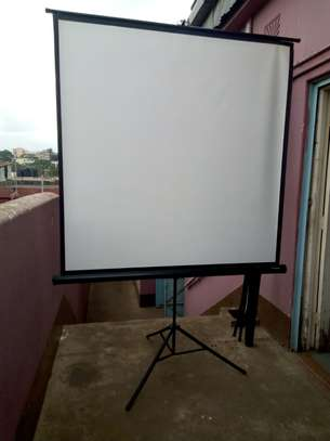 Tripod Projection Screen image 6