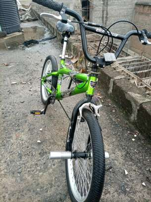 Kid Bike 20 Inch Ex Uk BMX image 6