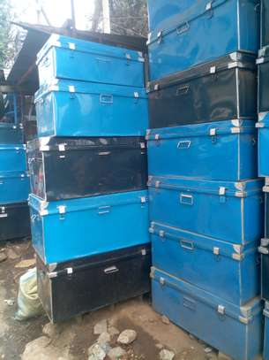 Metallic boxes image 3