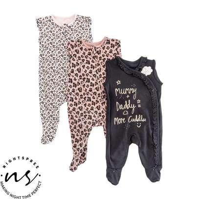 Girls  sleep suit image 1
