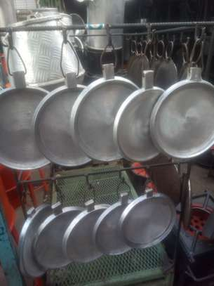 Frying pans for home and commercial use image 3