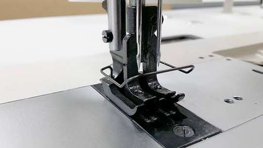 Industrial sewing machine image 4