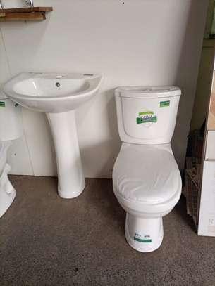Complete Closed Couple (Toilet+Sink+Pedestal) image 2