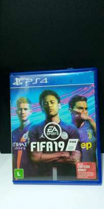 Fifa 19 ps4 video game image 1