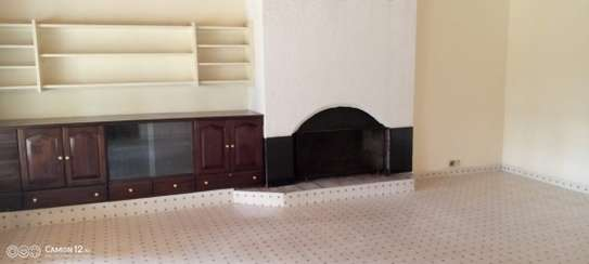 5 bedroom house for rent in Loresho image 13