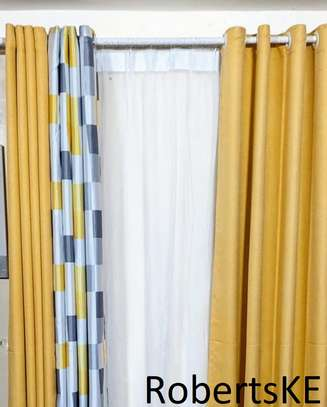 printed white and yellow curtain image 1