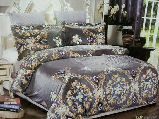 Woolen duvet with 1 bedsheet and two pillow cases image 2