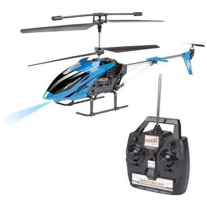 Remote controlled helicopter image 2