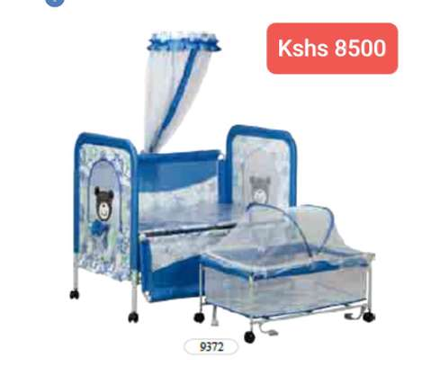Baby Beds with wheels image 7