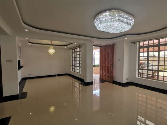 AN EXECUTIVE 5 BEDROOMS TOWNHOUSE WITH DSQ image 8