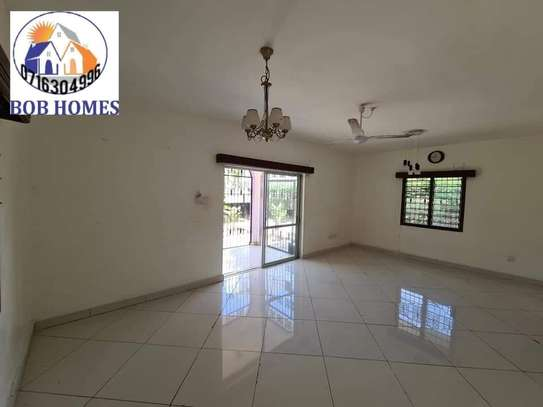 3 bedroom house for rent in Nyali Area image 8