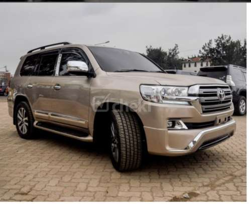 Toyota Land Cruiser 200 V8 4.7