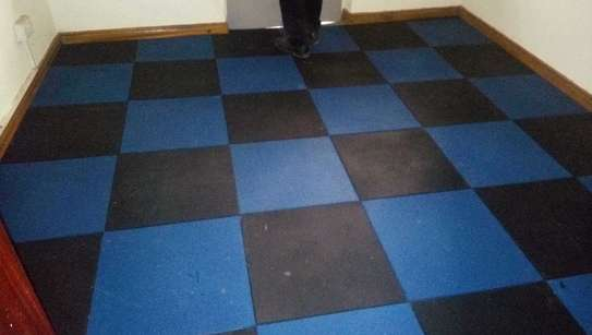 gym/rubber tiles image 3