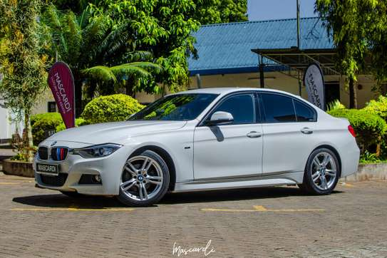 BMW 320i Sport image 1