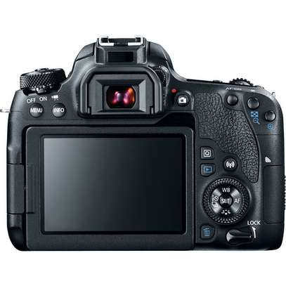 Canon EOS 77D DSLR Camera with 18-135mm USM Lens image 2