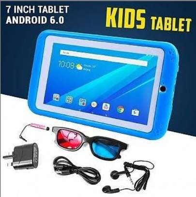 Kids tablet with silicon cover protector image 1