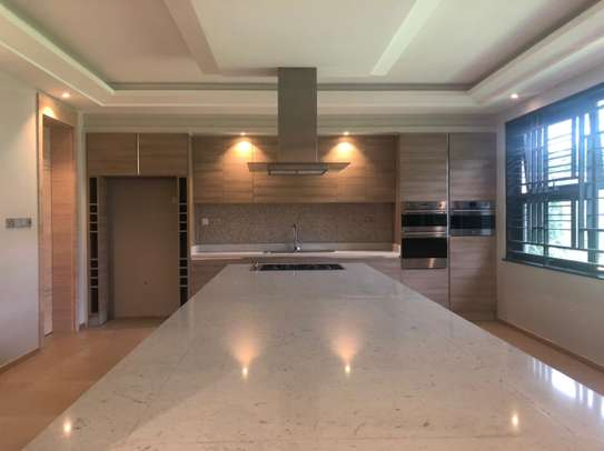 5 bedroom house for sale in Muthaiga Area image 18