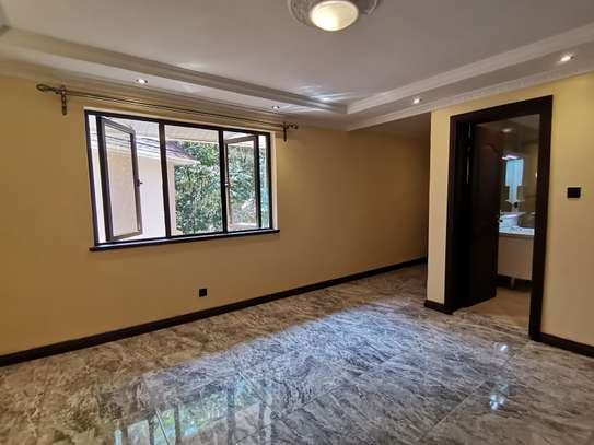 NEWLY BUILT CONTEMPORARY 4 BEDROOM TOWNHOUSE WITH DSQ image 14