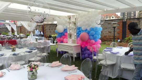 back drops and balloon garlands