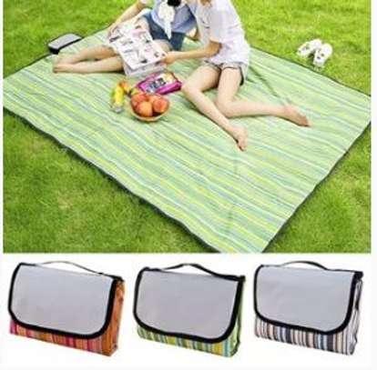 Foldable picnic mats
