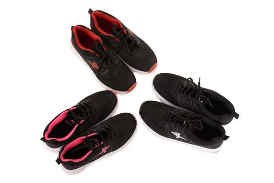 Ladies sports shoes image 2