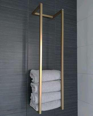 Towel holder gold image 1
