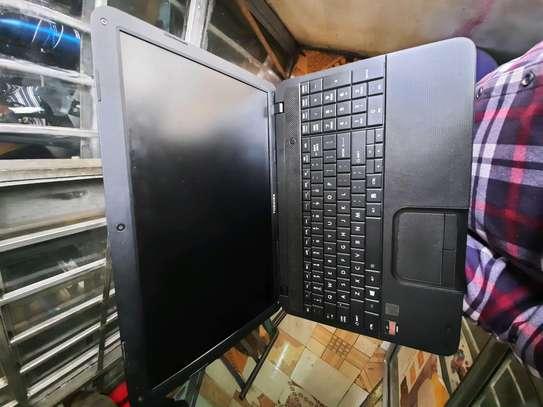 Toshiba c850 pentium image 1