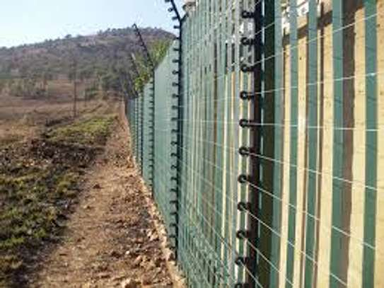 free standing electric fence in kenya image 1